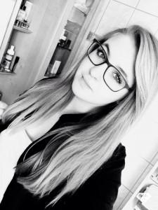 Die Schülerin Ayline hat mit TopVoice Gesangsunterricht die Aufnahmeprüfung im MusikBORG in Linz geschafft
