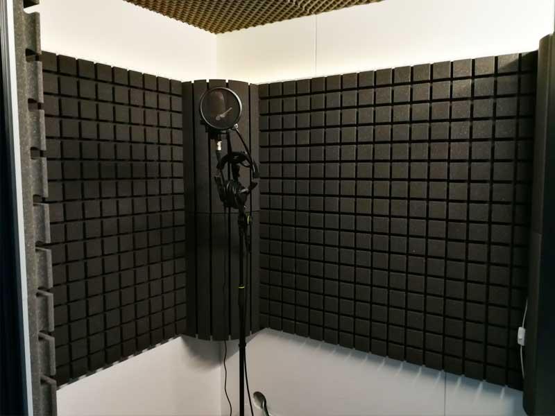 Die Studiobricks Gesangskabine für die Gesangsaufnahmen im TopVoice Tonstudio