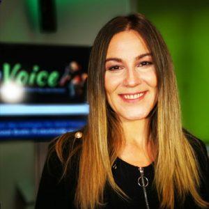Portrait von Gesangslehrerin Michaela Lanegger